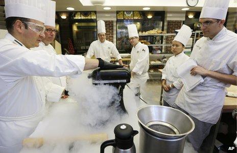 _63360439_chefs