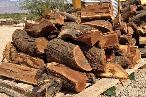 Membuat Bahan Bakar alternatif dari kayu