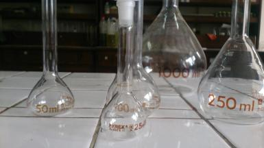 Labu Ukur Pyrex 100 mL - Volumetric Flask